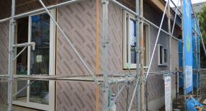 堀江工務店の松本平の完全断熱住宅は、高密度断熱工法によるエコ住宅です。